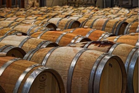 Un Refurbished Wine Barrels