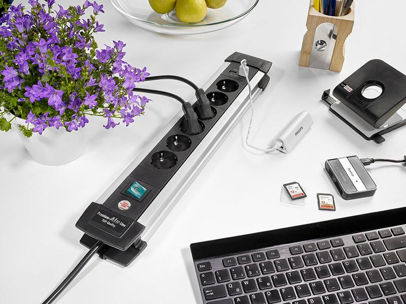 Premium-Alu-Line Extension Socket With USB-Charger - null
