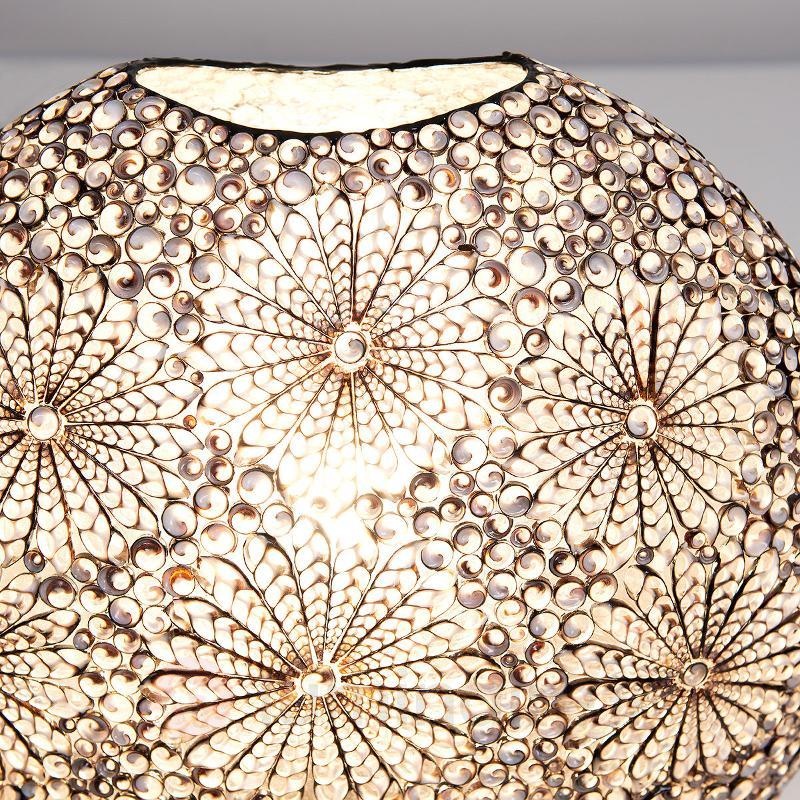 Lampe à poser Labirena Oval en coquillages - Toutes les lampes à poser