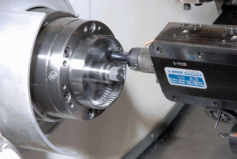 Broaching unit LinA AXIAL for machining centers - Driven broaching units for all common CNC lathes