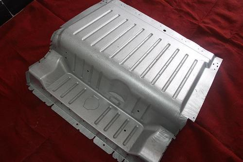 Refrigerator lower plate stretching mold - Refrigerator lower plate