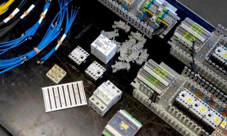 Elektronikmontage und -installation - Unterschiedliche Montage- und Installationsarbeiten