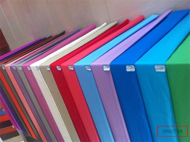 katoen55/polyester45 110x76 - goed inkrimping, glad oppervlak, zuiver polyester