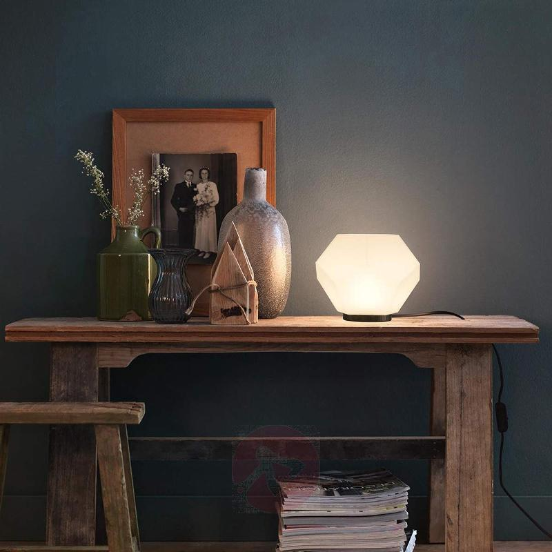 Angular LED table lamp Siger - Table Lamps