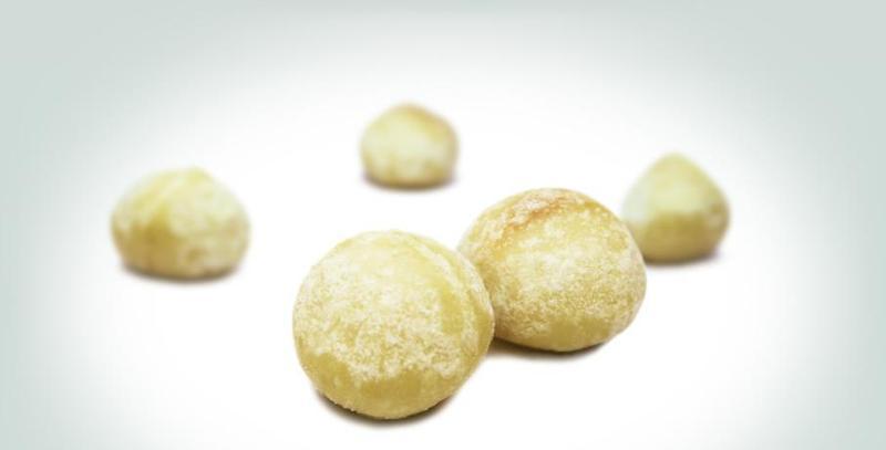 Nuts - Salted macadamia nuts: royal indulgence.