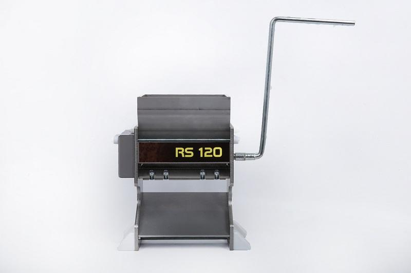 RS120 semi professional tobacco cutter - Heavy-duty rack suitable for mechanical drive.