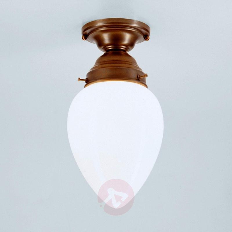 Bill - a ceiling light made of Berlin brass - design-hotel-lighting