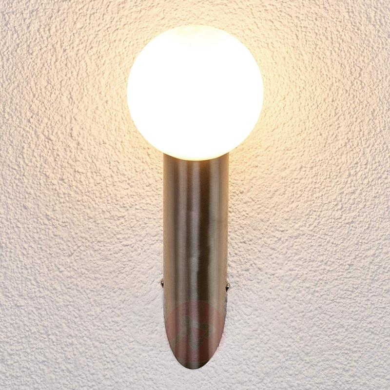 Slantingly-mounted outdoor wall lamp Tomma - stainless-steel-outdoor-wall-lights