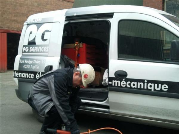 Camionnette outillée - Maintenance électro-mécanique sur site