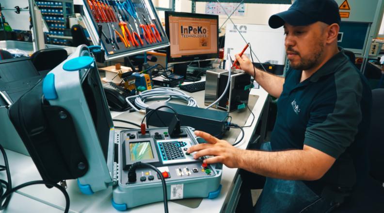 Zusammenbau, Verdrahtung, Isolationstest, Funktionstest, VDE - Von der Beschaffung bis hin zur Qualitätsprüfung und Logistik!
