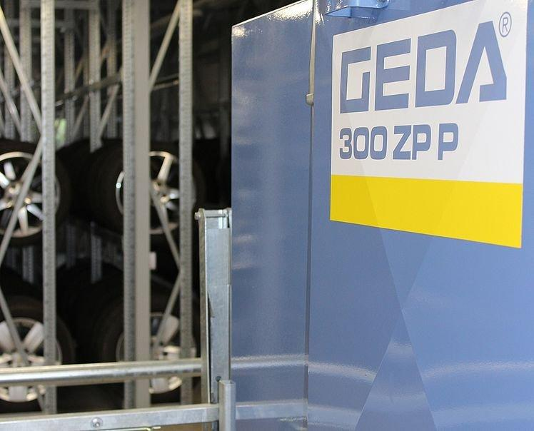GEDA 300 ZP P - GEDA 300 ZP P - Transport Platform for Personnel and Materials