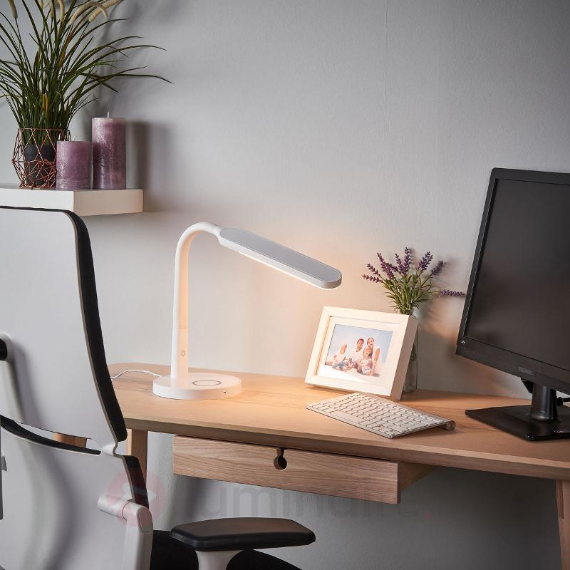 Lampe de bureau LED blanche Maily, port USB - Lampes de bureau LED