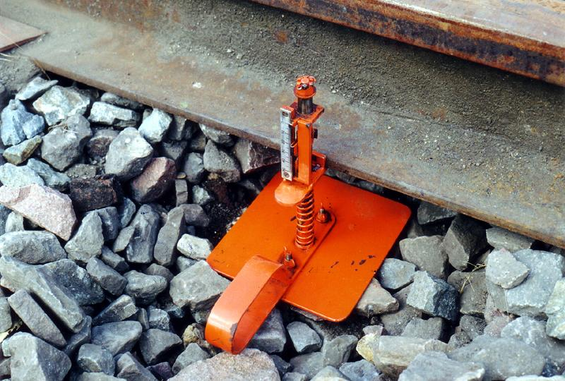 Measurements and Controls - Rail Deflation Measuring Device