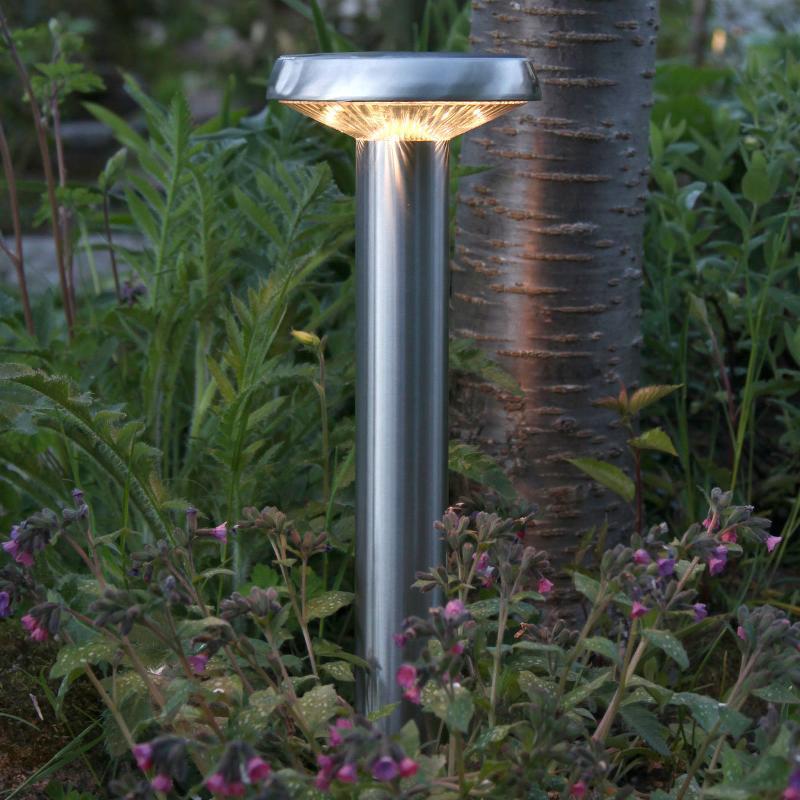 Piquet LED solaire chic Isis à l'aspect inox - Lampes solaires décoratives