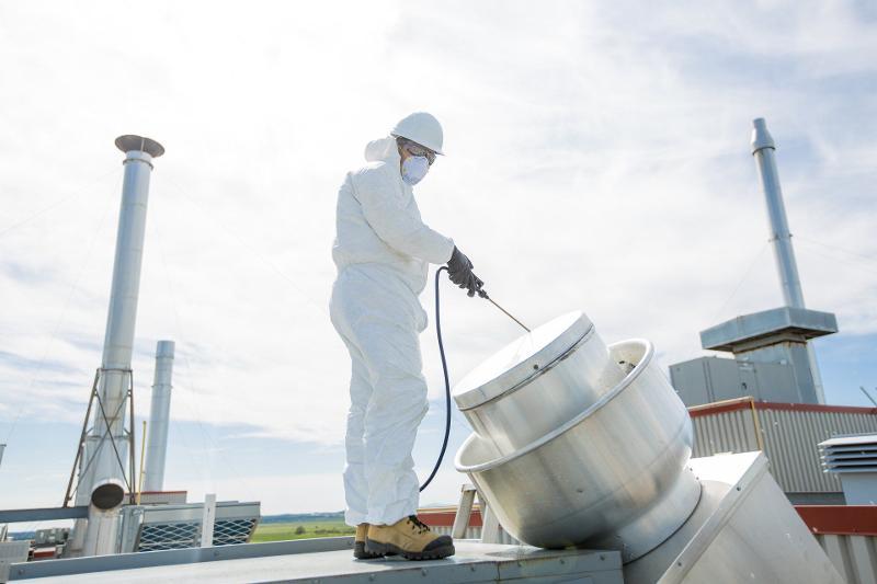Pulizie tecniche industriali e monitoraggio processo di lavaggio - null