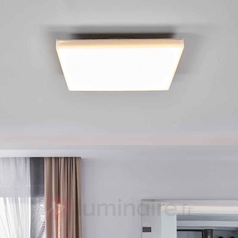 Plafonnier LED discret Levik, IP44 - Salle de bains