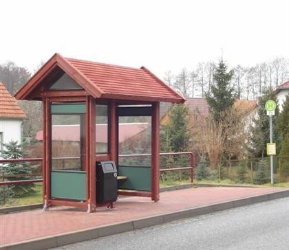 Buswartehalle Holz Typ NORFAX