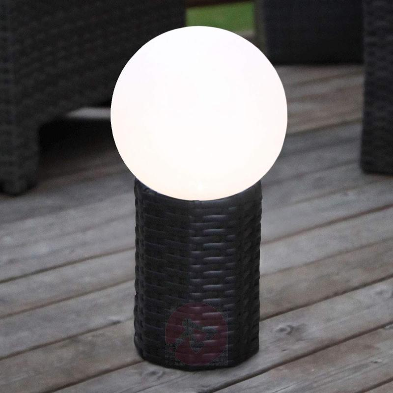 LED solar globe Lug with base - Pillar Lights