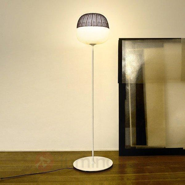 Lampadaire Afra au charme particulier - Lampadaires design