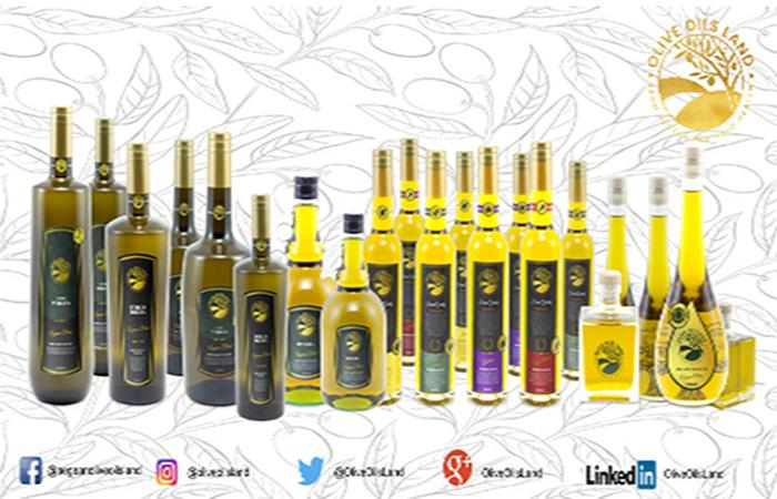 Extra Virgin Olive Oil  - High Content of Vitamins, Aroma, Polyphenols and Antioxidants