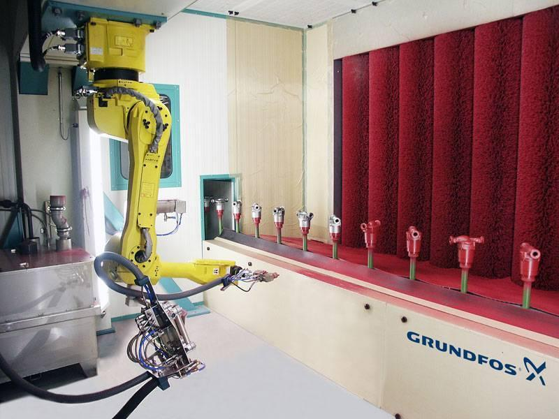 Wet paint coating with industrial robots