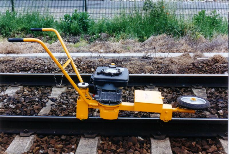 Machines for Track Works - Rail Grinding - Rail Head Scrubber Machines