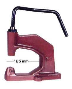 Presse manuelle oeillets/pressions M125