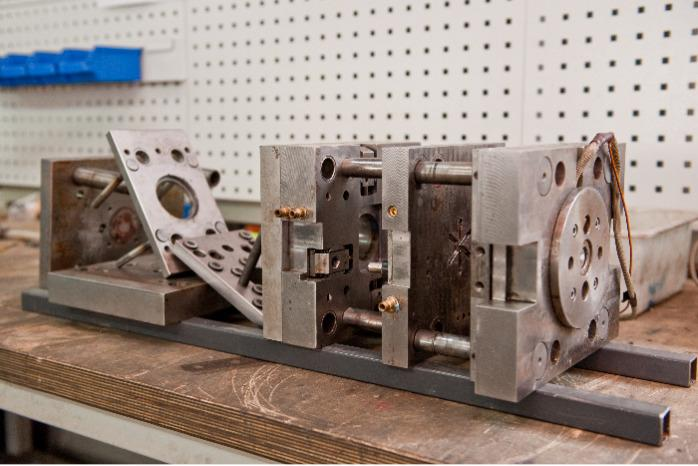 INJECTION MOLDS TESTING - testing of your tool