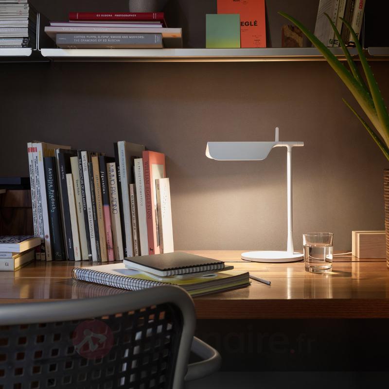 Lampe à poser innovante LED TAB T blanche - Lampes de bureau