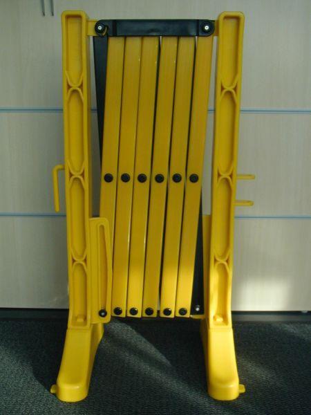 Scissor fence geel/zwart extensible till 3,5 m - SISCHAHRPLAGZ