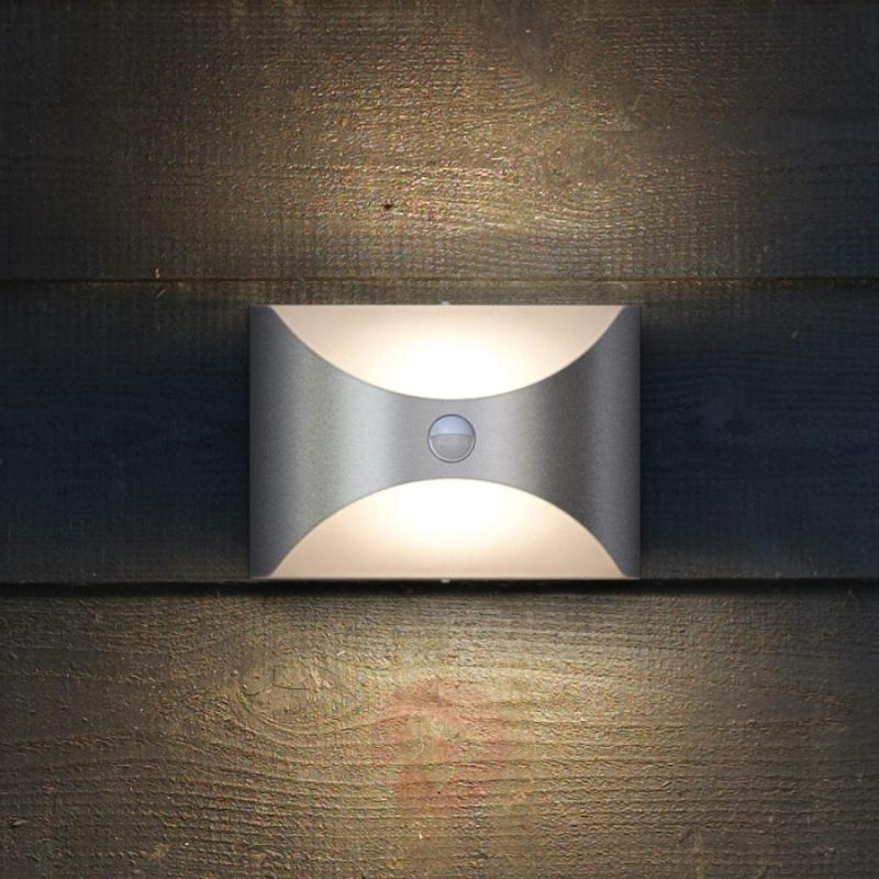 Herb - attractive outdoor wall light with sensor - outdoor-led-lights