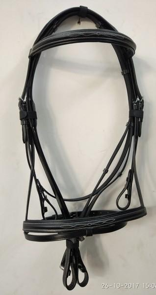 Classic Comfort bridle patent Browband - Classic raised style Comfort Bridle with patent browband along with reins