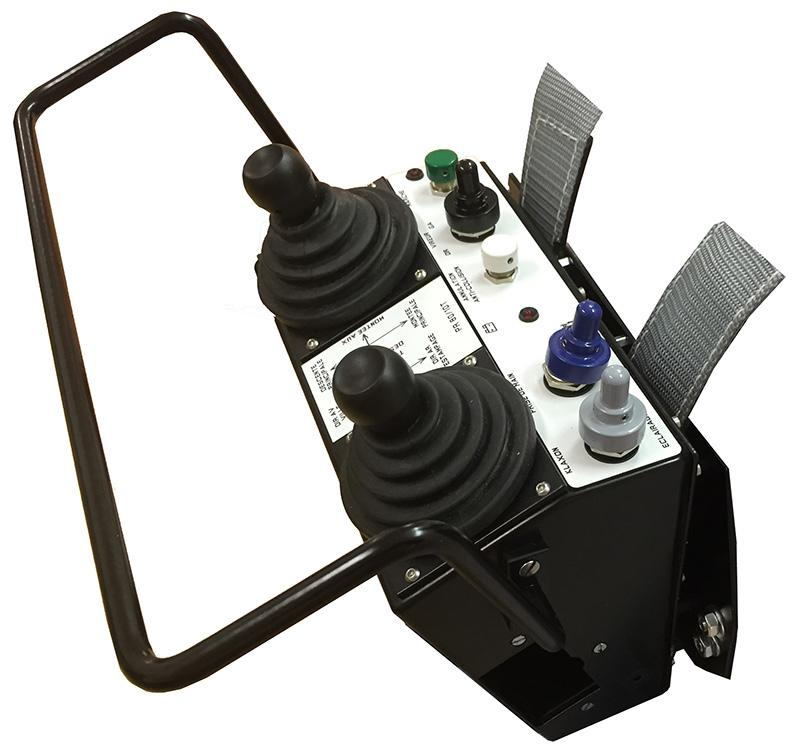 Radicommande robuste type pupitre ventral - SADamec TEChnologieWireless Série PV