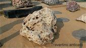 Monolithe - Rocher en calcaire travertino anticato