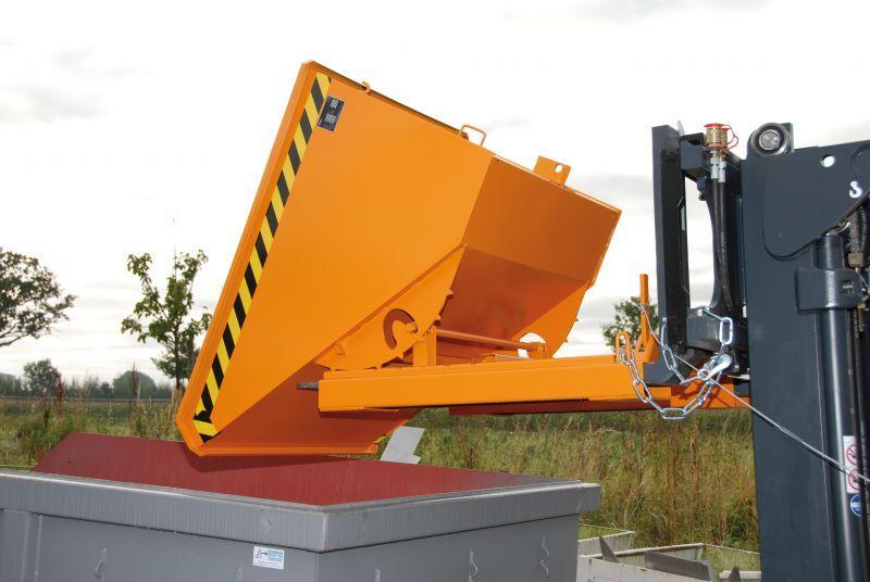 Kippbehälter Typ EXPO, Anbaugerät für Gabelstapler - Behälter mit Einfahrtaschen für Gabelzinken und Abrollmechanismus zum Abkippen