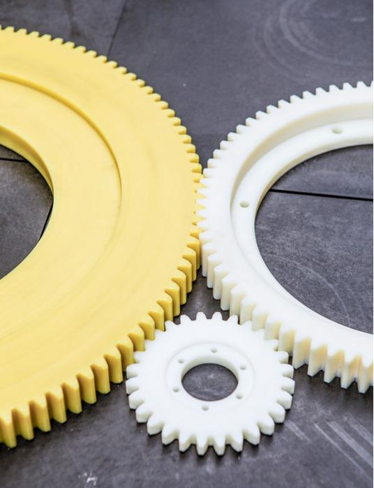 Gear wheels - Gear wheels with a low noise level and a low coefficient of friction