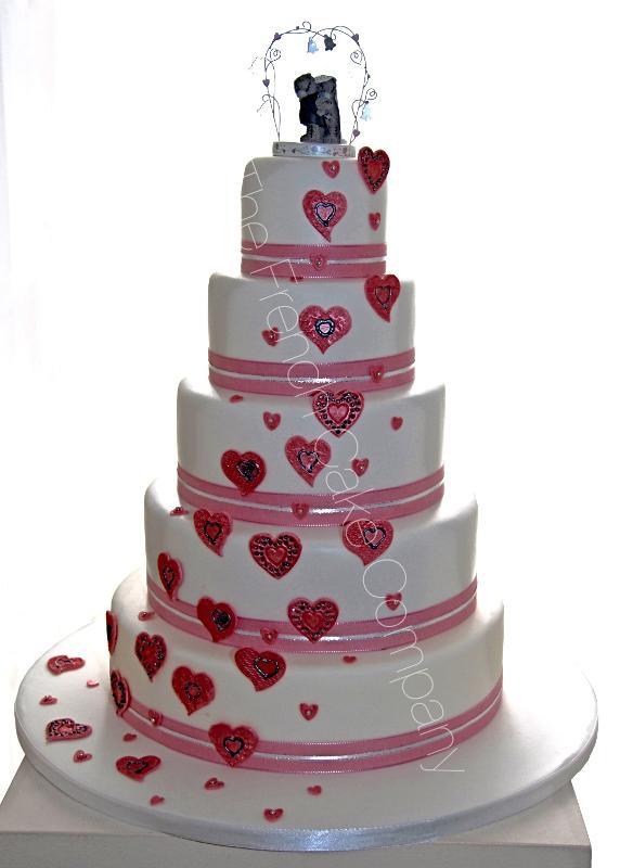 Gâteaux et Pièces Montées sur-mesure - Gâteau mariage cascade coeurs