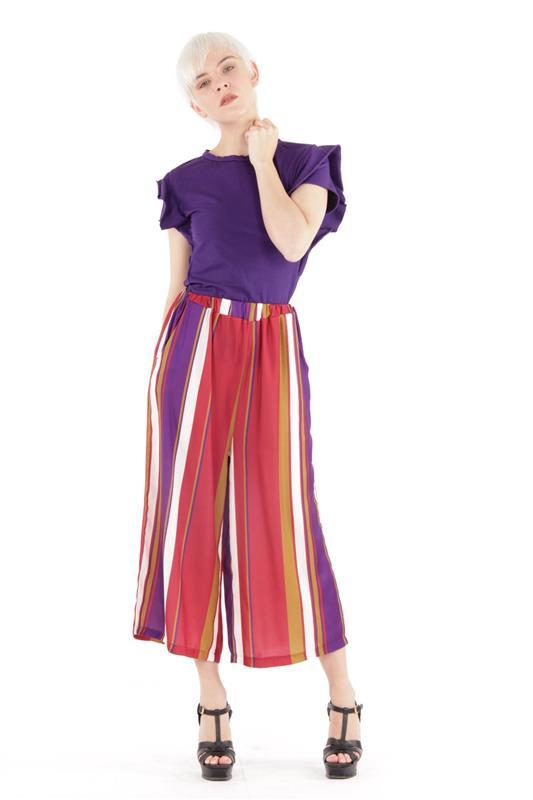 t-shirt con alette taglio vivo e pantalone culotte a righe - purple must have