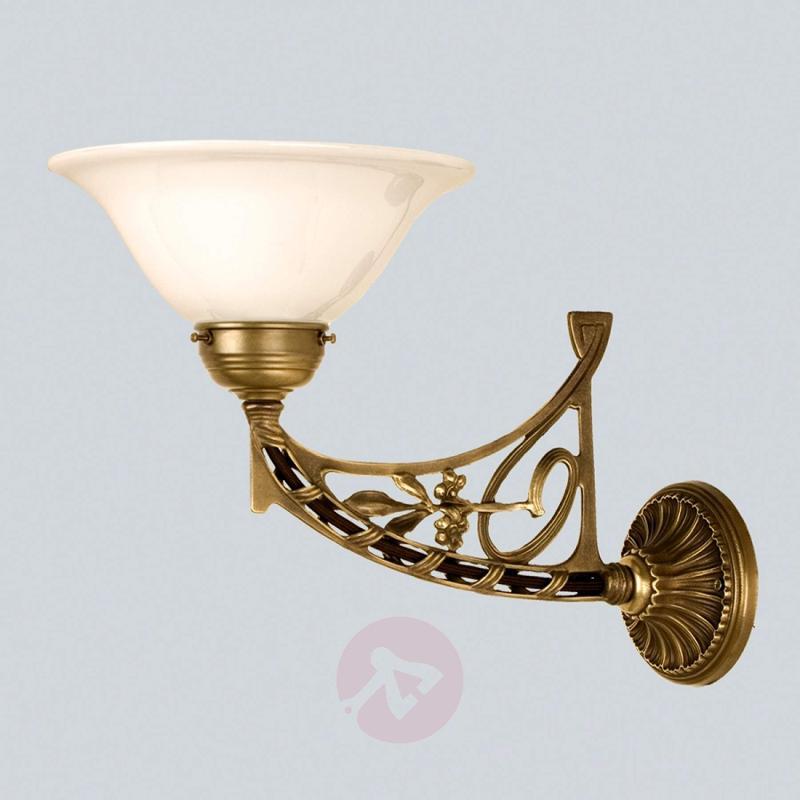 KARL single bulb wall light made of brass - design-hotel-lighting