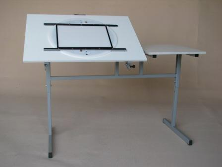 TABLE D'ANIMATION 2 PLATEAUX - null