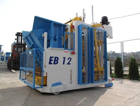 Mobile block machine SUMAB E 12