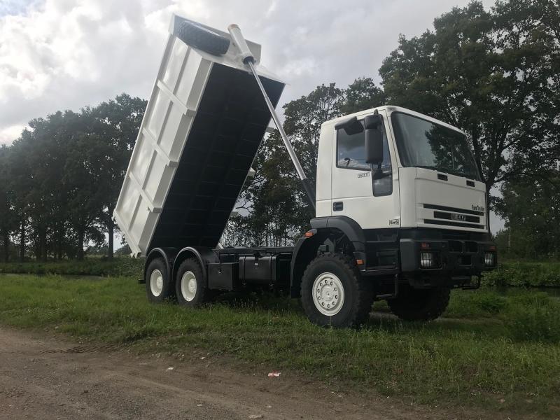 C002 Iveco Euro Trakker Tipper - Trucks