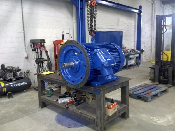 Moteur AC révisé - Maintenance électro-mécanique en atelier