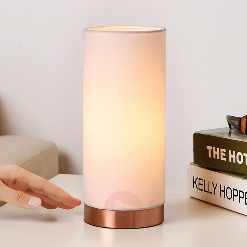 White table lamp Ronja with a copper-coloured base - indoor-lighting