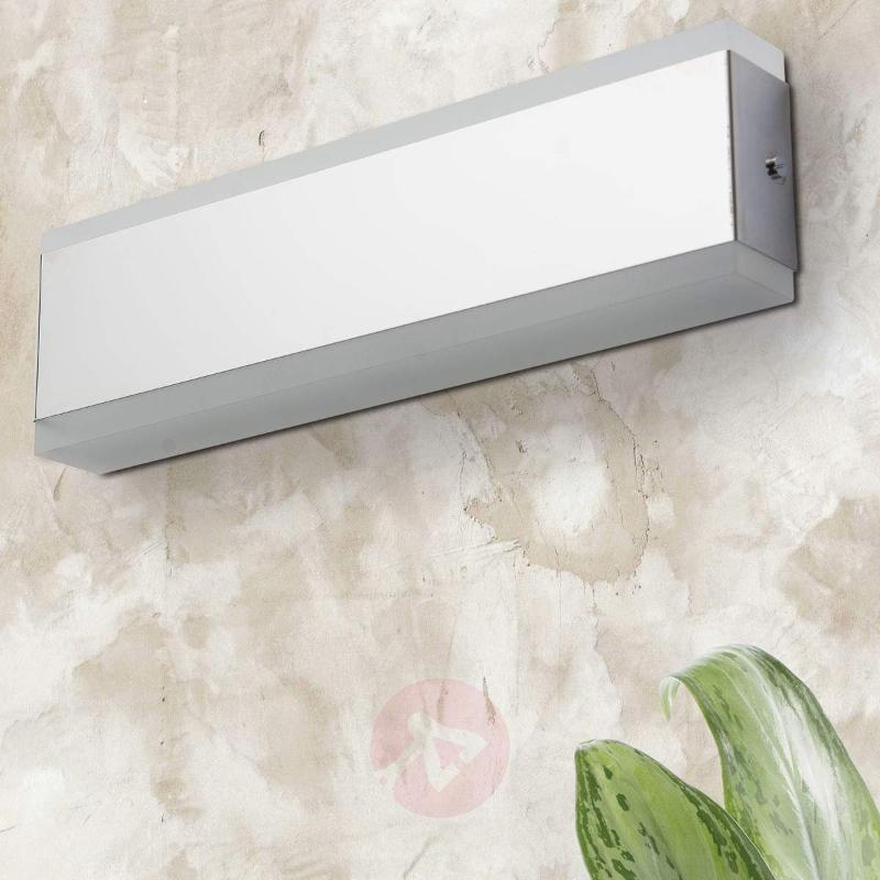Angular LED wall light Garik, chrome-plated - Wall Lights