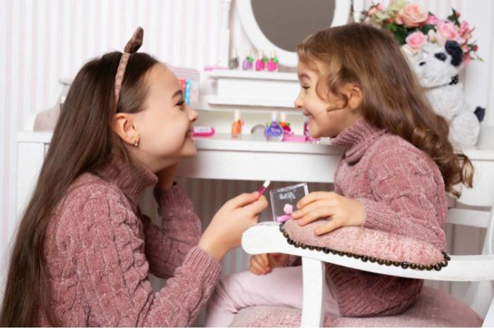 Nomi cosmetics for young girl's eye shadows - Eye shadows sets Fiona/Mia/Cindy/Lily