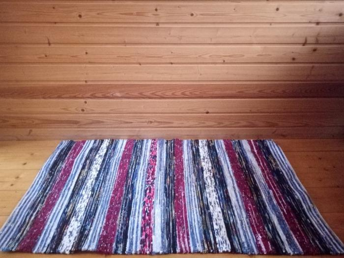 Handwoven   rag rug runner - Handwoven   rag rug made of cotton and velour