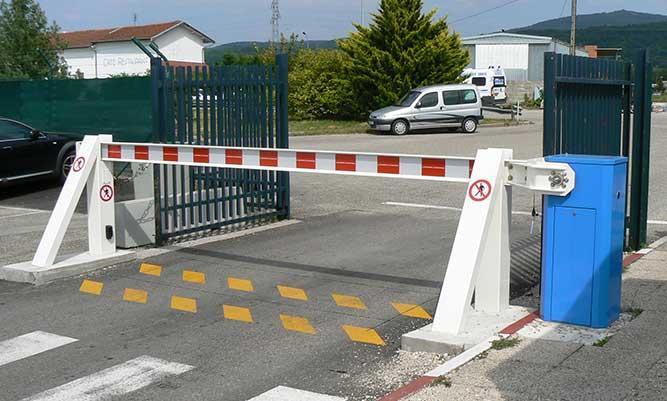 Barrière anit-bélier LBA 12 AVB - Barrière industrie et anti véhicules-bélier