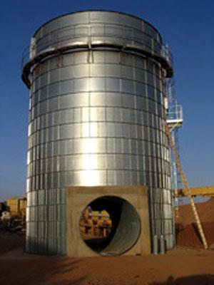 Silo with tunnel for Quartz SOUDAN