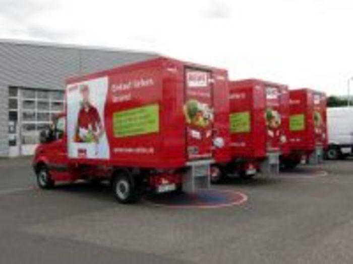 Kühlfahrzeuge Für Den Lebensmittel Online Home Delivery Service - null